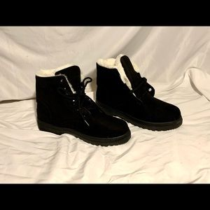 New! SQL black suede lined Black Boot size 42
